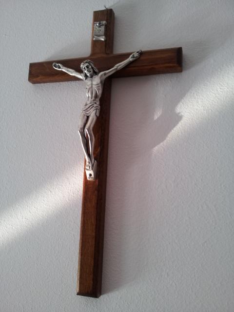 Crucea din camera de la exercitii spirituale_Ciofliceni 2012