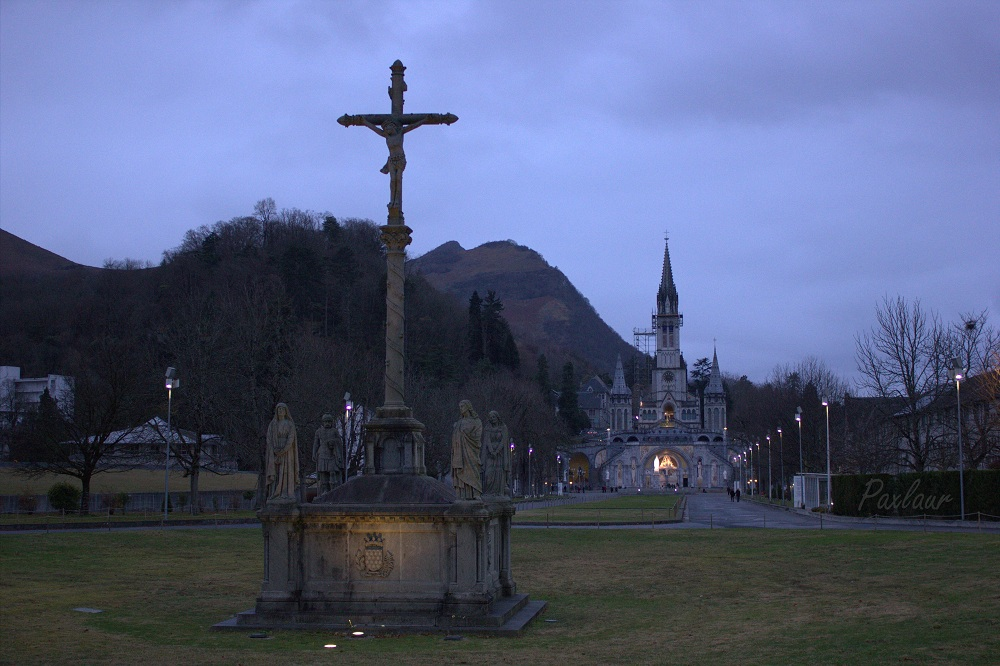 Lourdes_intrarea principala