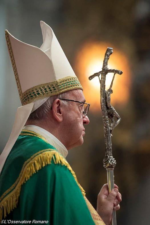 Papa Francisc_crucea si lumina