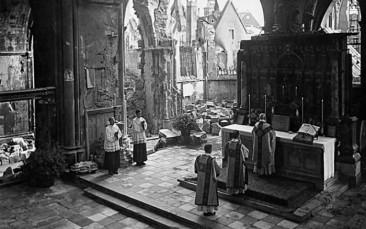 Liturghia euharistia in timpul razboiului