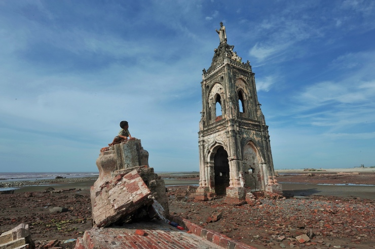 Biserica persecutata si abandonata