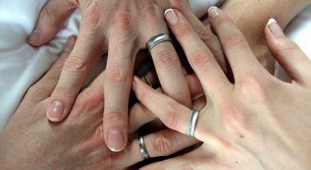 fidelitatea adulterul casatoria si familia