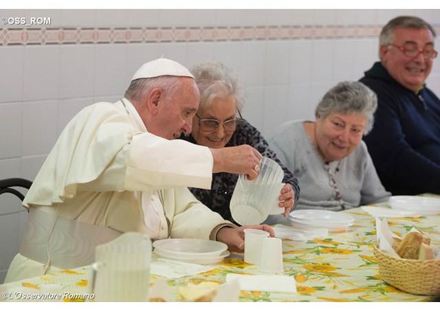 Papa Francisc si saracii