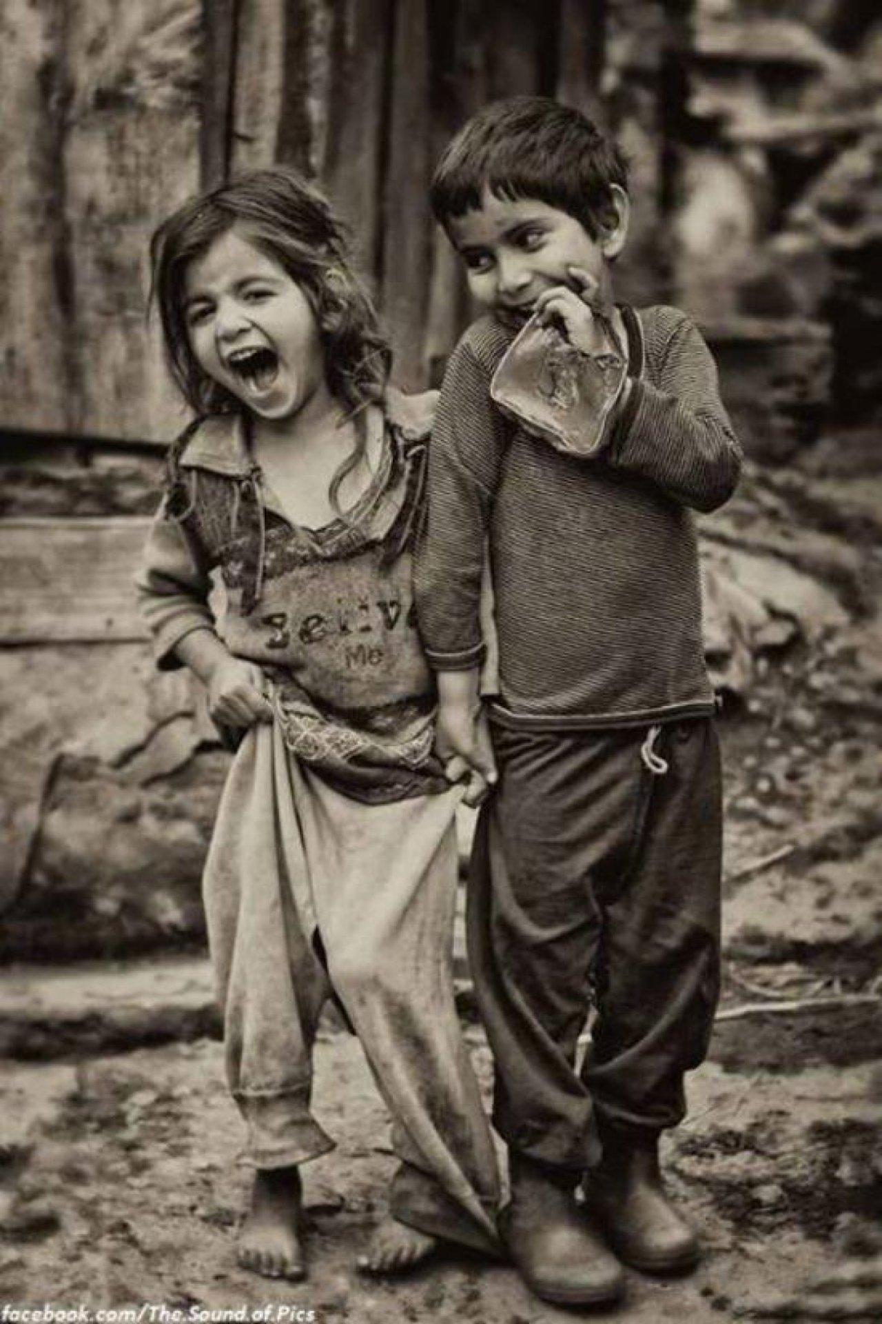 copii-fericiti-zambind
